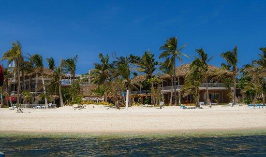 Malapascua Exotic Island Dive & Beach Resort: Beachfront
