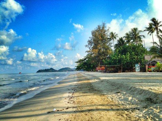The Dewa Koh Chang : Пляж супер, жаль море мелкое
