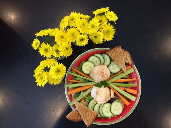 Green Goddess' Food : Hummus plate