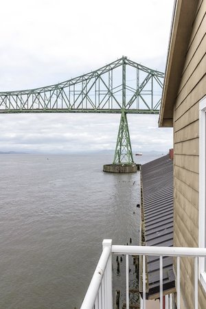 Cannery Pier Hotel : View of Astoria-Megler Bridge from balcony near living room from Pilot House