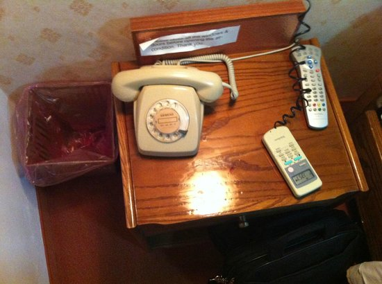Faros Beach Hotel: Rotary phone awesomeness!