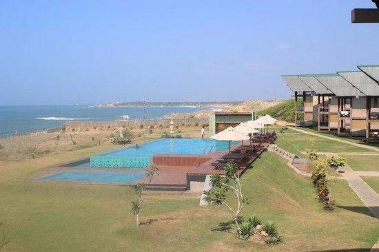 Laya Safari: Pool