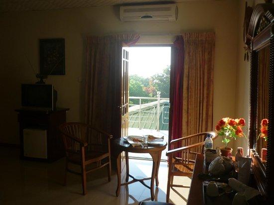 Delma Mount View Hotel: Room 2 balcon
