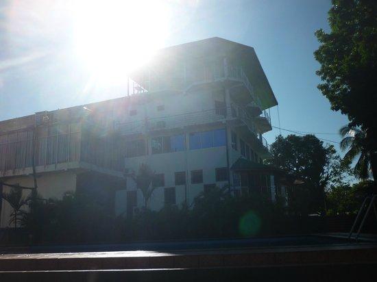 Delma Mount View Hotel: hotel