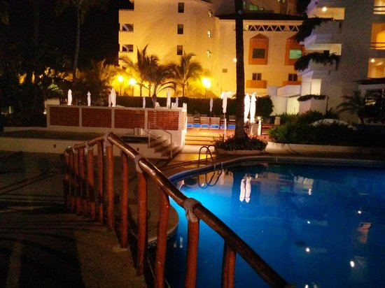 Buenaventura Grand Hotel & Great Moments All Inclusive: Pool area