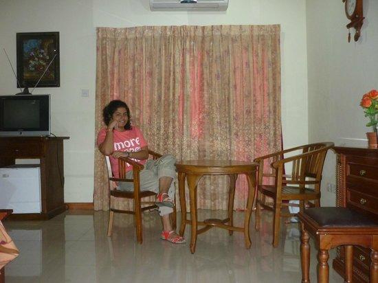 Delma Mount View Hotel: room