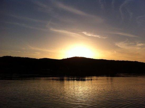 Driftwood Village: Island Sunset