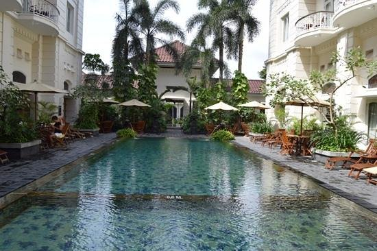 The Phoenix Hotel Yogyakarta - MGallery Collection: Heerlijk zwembad