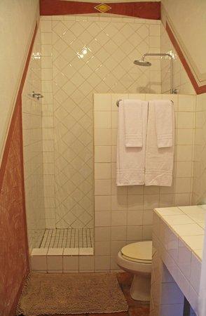 La Maison Aruba: Bathroom studio #1