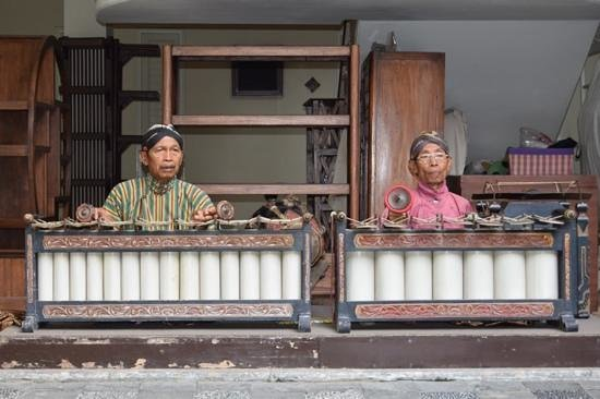 The Phoenix Hotel Yogyakarta - MGallery Collection: Gamelan muziek tijdens ontbijt