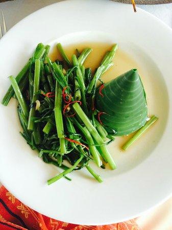Navutu Dreams Resort & Wellness Retreat : Morning glory with a cone of Jasmine rice. Yum.