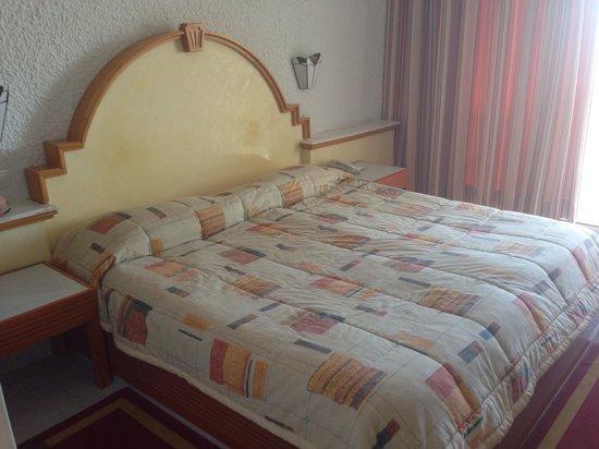 Hôtel Kanta : Bed