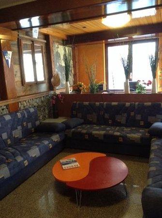 Bellpark Hostel : common room