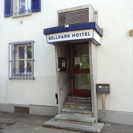Bellpark Hostel : entrance