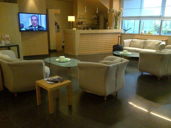 Hotel Executive: hall e bar