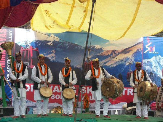 Citrus Manali Resorts: Carnival celebration at mall road