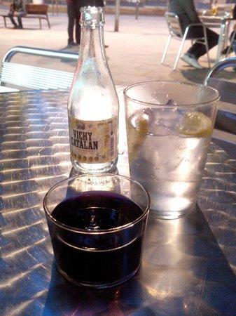 Caleuche: Maar ook 's avonds, let op het aparte wijnglas!