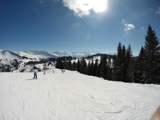 Above All Chalet Co: Sunny day on the mountain