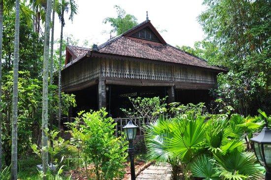 Palm Village Resort & Spa: Reception & Dining