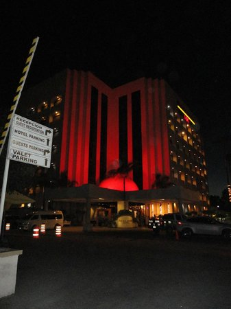Hotel Pueblo Amigo Plaza & Casino: vista nocturna