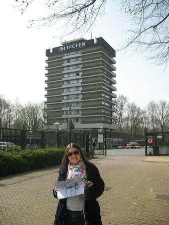 Amsterdam Tropen Hotel: Около
