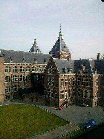 Amsterdam Tropen Hotel: Вид из номера