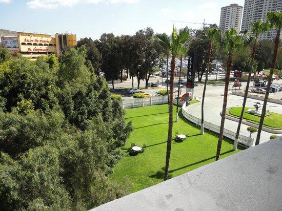 Hotel Pueblo Amigo Plaza & Casino: jardines del hotel
