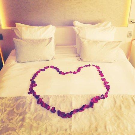 The Hotel - Brussels: Romantic surprise