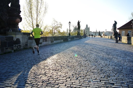 Running Tours Prague: Sunrise over Prague city running