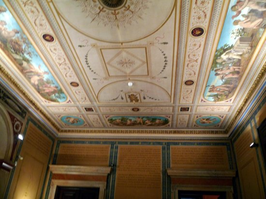 Numismatic Museum: Il soffitto