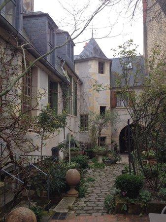 Hotel de la Chasseigne: La cour intérieure
