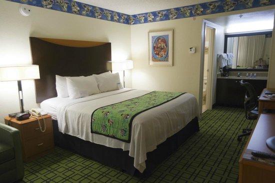 Fairfield Inn by Marriott Anaheim Resort: Themed Room King Bed