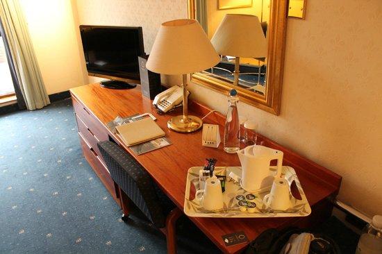 Croydon Park Hotel: Le coin TV / Café