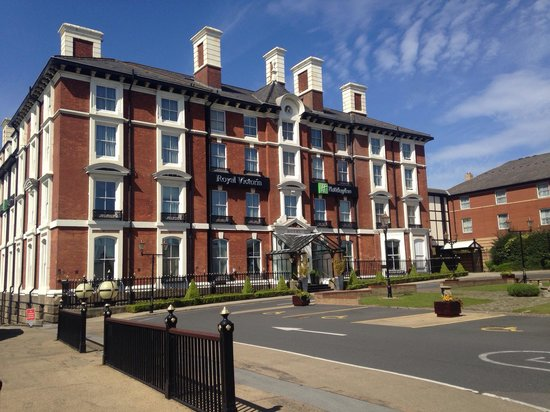 Holiday Inn Sheffield: I always love coming back to this wonderful hotel.  And, as a birthday present, I got wonderful