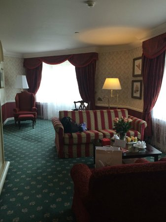 Disneyland Hotel - Castle Club - Walt's Suite