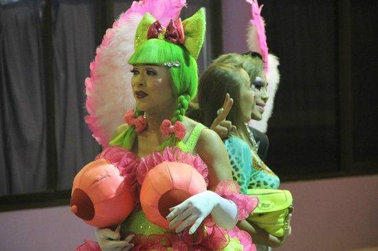 Simon Star Show Phuket : самый пошлый персонаж...