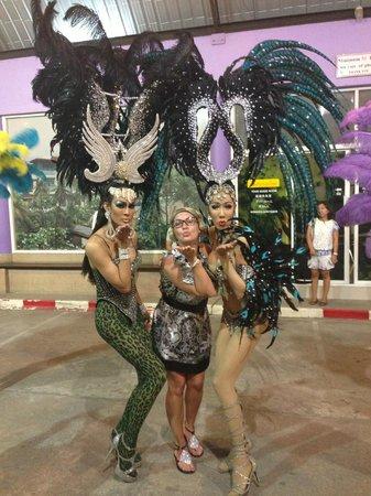 Simon Star Show Phuket : девочки-красавицы