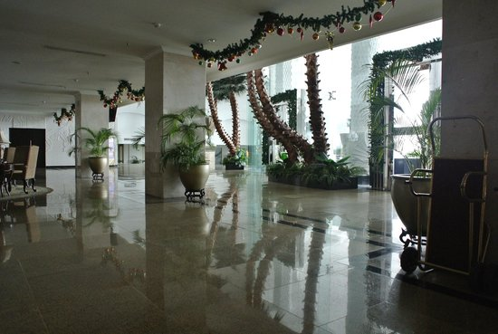 Harmoni One Convention Hotel and Service Apartments: Entrance main lobby