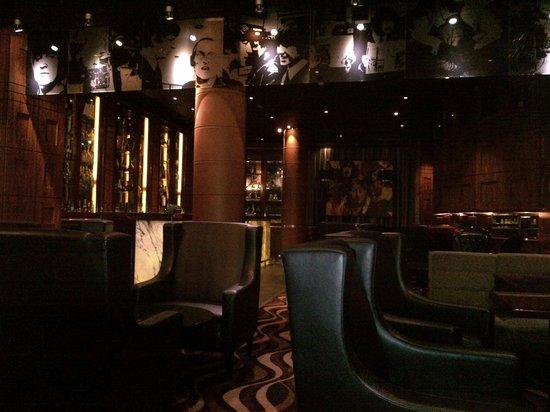 Hard Days Night Hotel: Bar Four