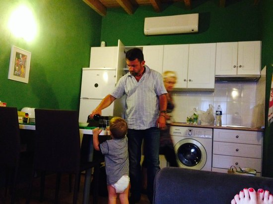 Casitas del Cardon: зал и кухня