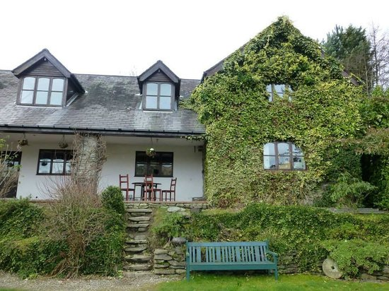 Horseshoe Pass Holiday Lets: The Annexe