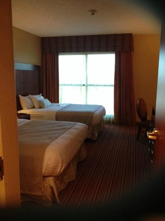 Embassy Suites by Hilton Nashville SE - Murfreesboro: Room