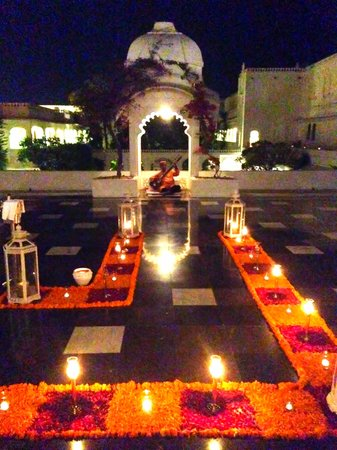 Taj Lake Palace Udaipur : Mewar Terrace- All Decked Up & Traditionally Lit (Sitar player in the backdrop)