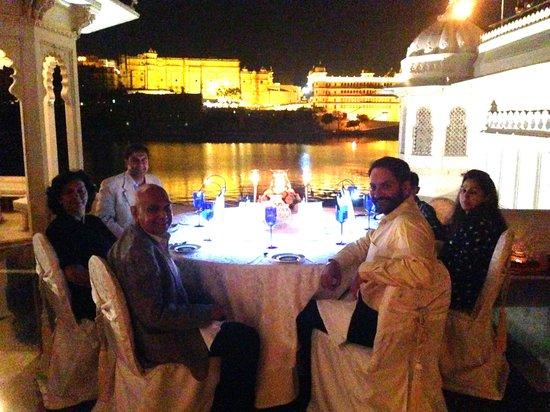 Taj Lake Palace Udaipur: Family Seated At Dinner