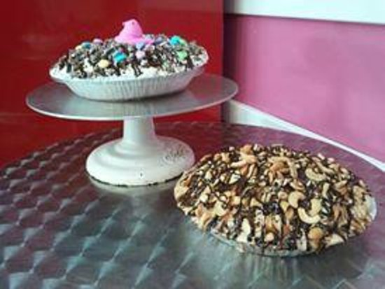 Goodies 50's Style Ice Cream Parlor: Easter Pies!