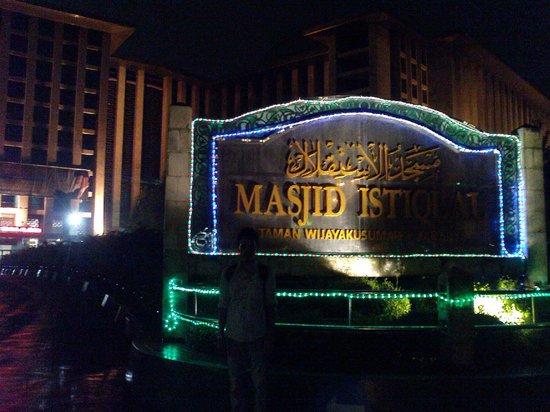 Istiqlal-Moschee (Unabhängigkeitsmoschee): welcome to Istiqlal Mosque Jakarta