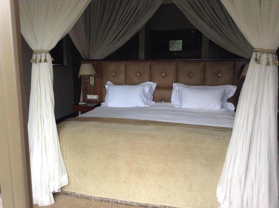 Shepherd's Tree Game Lodge: Luxurious bedroom