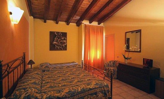 La Sosta Hotel Via Tita Secchi   Vestone Italien