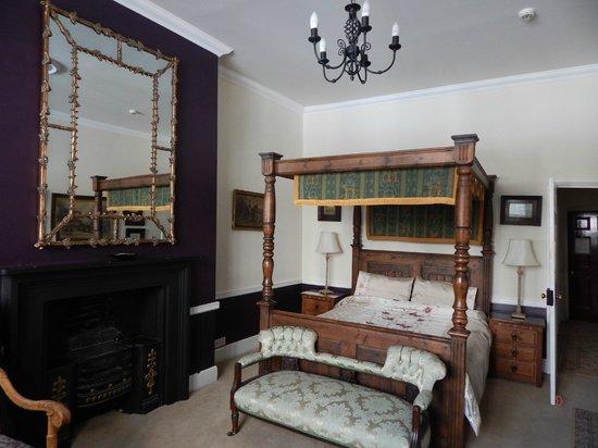 Golden Fleece: Bedroom