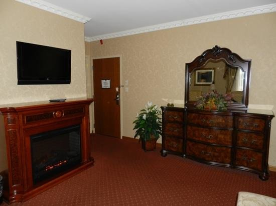 Fulton Steamboat Inn: nice rooms